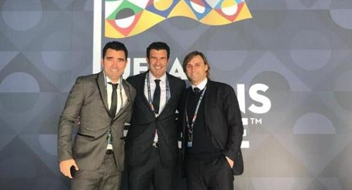 De Portugal legende Figo en deco wonen de Europese National League-trekking bij